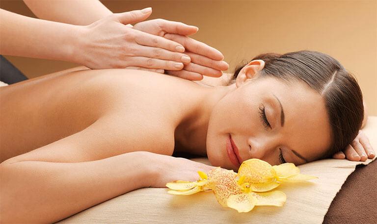 soin du corps + massage + soin du visage à Vienne